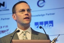 James Murdoch looks to US after UK dressing down